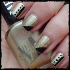 Colaboración Tokedecolor.com Aden Efecto Metal 305-->4.50 Euros Aden Esmalte Art Decor 12N Black Pearl-->2.25 Euros Web: http://www.tokedecolor.com/ Facebook: https://www.facebook.com/pages/Tokedecolorcom/105762219473426 Twitter: https://twitter.com/Tokedecolor #tokedecolor #aden #nails #notd #nailart #manicure #polish #dots
