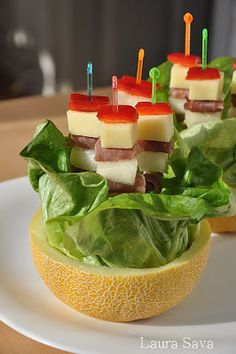 Frigarui cu sunca in jumatati de pepene | Retete culinare cu Laura Sava
