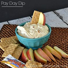 Payday Dip is the ultimate party dip. Great for dipping vanilla wafers, graham crackers and apples! Appetizer Dips, Appetizer Recipes, Dessert Dips, Dessert Recipes, Payday Candy Bar, Dip Recipes, Recipies, Yummy Food, Yummy Treats