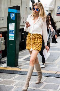 La Fashion Week haute couture automne-hiver 2016-2017 de Paris bat son plein, découvrez les meilleurs looks pris sur le vif à la sortie des défilés. Photos par Sandra Semburg.