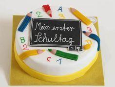 Einschulungstorte Stifte und Tafel http://www.traumtorten.de/