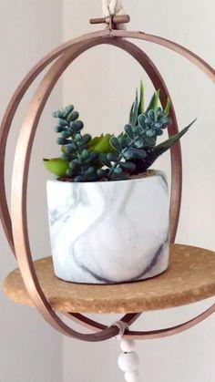 Diy Crafts For Home Decor, Diy Wall Decor, Diy Bedroom Decor, Diy Living Room Decor, Diy Plant Stand, Plant Hanger Diy, Plant Decor, Home Decor With Plants, Natural Home Decor