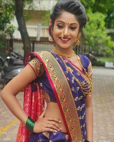 Bridal Silk Saree, Silk Sarees, Bridal Photography, Photography Poses, Marathi Saree, Saree Jewellery, Nauvari Saree, Beautiful Girl Image, Diwali