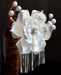 Grand White Lotus. Wedding tsumami kanzashi. by hanatsukuri