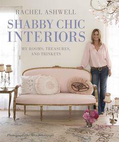 """Le style shabby chic est né dans les années 80 et popularisé par Rachel Ashwell, anglaise vivant en Californie. Elle dirige aujourd' hui la chaîne de magasins """"Shabby Chic"""", implantés dans le monde entier."""