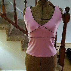 Sleeveless dressy tank top with black accents Sz M Pink tank top with black piping SO Tops Tank Tops
