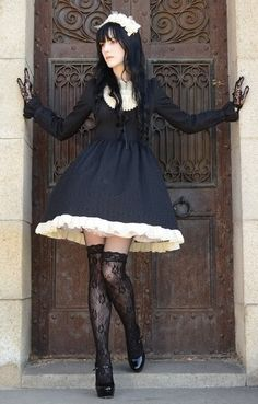 Classic #Gothic Lolita fashion with full skirt.