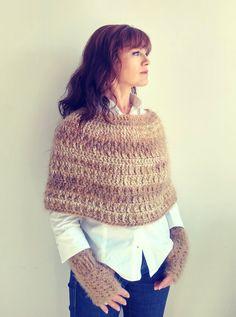 Beige crochet capelet,beige fingerless gloves,wool winter poncho,crochet winter capelet and fingerless gloves,gift for her,READY TO SHIP