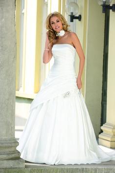 Ladybird Wedding Dress  Style 33043 Ivory
