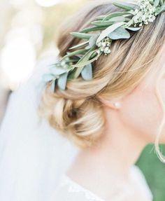 light green, soft green flower crown