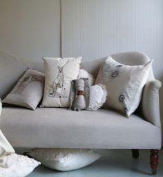 Dromedary sofa in flax libeco belgian linen