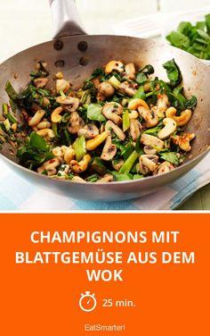 Champignons mit Blattgemüse aus dem Wok