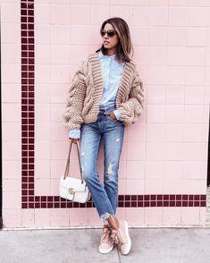 "5,804 Likes, 55 Comments - Annabelle Fleur (@vivaluxuryblog) on Instagram: ""Casual vibes #ootd @ilovemrmittens sweater & @gucci bag #whatiwore"""