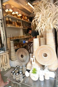 Shopping Chatuchak Market: the Ultimate Photo Guide to Bangkok's Best Market - Souvenir Finder Home Decor Shops, Home Decor Items, Bangkok Guide, Chatuchak Market, Bangkok Shopping, Amazing Decor, Amazing Spaces, Shop Interiors, Home Goods