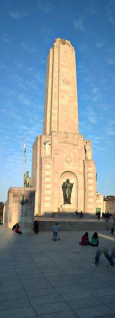 Explanada del monumento a la Bandera. Rosario.