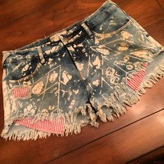 FREE PEOPLE. JEAN SHORT LIKE NEW. 29 These Free People jean shorts are like new. We're worn twice. Cut off look with frayed hem is the way they are made. bleaching detail. So cute!  Size 29 Free People Shorts Jean Shorts