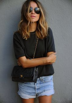 On aime les cheveux de : Sincerely Jules Sincerely Jules Hair inspo Womens Fashion Casual Summer, Womens Fashion For Work, Look Fashion, Fashion Women, Quoi Porter, Style Casual, Mode Outfits, Mode Inspiration, Mode Style