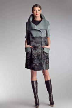 пальто из ткани комбинир с кожей: 14 тыс изображений найдено в Яндекс.Картинках
