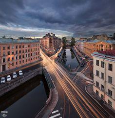 Демидов мост, канал Грибоедова, переулок Гривцова, город, крыши