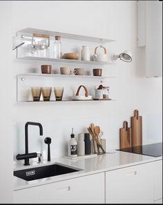 Open kitchen shelves styling inspiration - Home Professional Decoration Kitchen Design Open, Open Kitchen, Interior Design Kitchen, Beautiful Kitchens, Cool Kitchens, Living Room Kitchen, Kitchen Decor, Dining Room, Scandinavian Kitchen