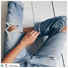#Repost @mikutas  #leafjewelry #leafschmuck  Peace and simplicity #jewelry #peace #silver #simplicity @leaf_jewelry