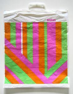 Le plastique, c'est chic - Collection graphique de sacs en plastique suisses