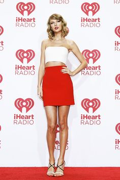 Taylor looking red hot