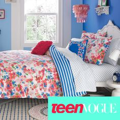 The Rosie Posie bedding set offers a contemporary look that is perfect for the fashionable teen. Coordinate with fun decorative pillows and matching sheet set that is sold separately.