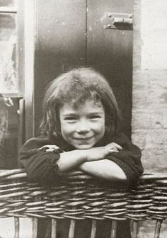 destitute-east-end-children-3