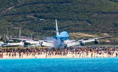 KLM Boeing 747 arrival into SXM St Maartin slightly different angle. My favorite airport landings!