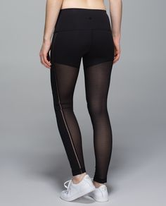 When the studio heat is cranked, we rely on cool, comfortable gear to keep us grounded. These pants keep us covered yet let us breathe—strategically placed Mesh venting lets out the heat and Full-On Luxtreme® fabric wicks away our hard-earned sweat.