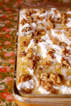pumpkin pie cake with nuts. (Another version of pumpkin dump cake) Pumpkin Pie Cake, Pumpkin Dessert, Pumpkin Pumpkin, Canned Pumpkin, Thanksgiving Recipes, Fall Recipes, Holiday Recipes, Thanksgiving Feast, Delicious Desserts