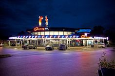 Worlds Largerst Drive-In Hot Dog Stand !!! … Superdawg Wheeling !!! … in Wheeling, Illinois …