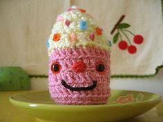 must learn to make crochet cupcake