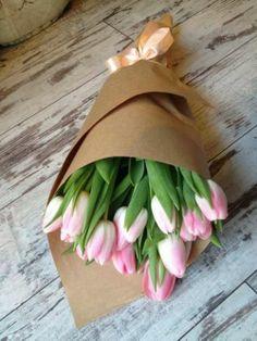 Tulpe is haar gunsteling || Tulips are her favourite #mymamybestevriendin