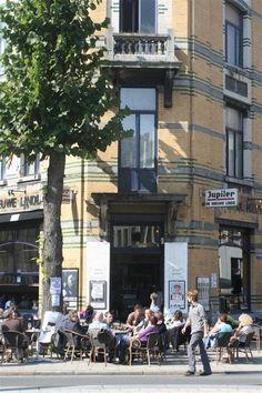 De Nieuwe Linde | Pacificatiestraat 49, 2000 #Antwerp | one of my favourite neighbourhood bars, great spaghetti too!