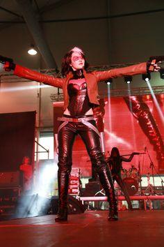 Fem/RedHood and Fem/Nightwing by OniksiyaSofinikum on DeviantArt Red Hood Costume, Red Hood Cosplay, Robin Cosplay, Cosplay Diy, Cosplay Girls, Nightwing Cosplay, Catwoman Cosplay, X Men Costumes, Cosplay Costumes