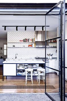 23 ideas kitchen window industrial steel doors for 2019 Steel Frame Doors, Classic White Kitchen, Diy Home, Home Decor, Edwardian House, Interior Desing, Kitchen Furniture, Urban Furniture, Cool Kitchens