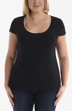 Scoop neck Tee/Black Style No: Viscose elastane scoop neck cap sleeve tee. Scoop Neck, V Neck, Black Style, Fashion Fashion, Cap Sleeves, Layering, Basic Tank Top, Diva, Essentials