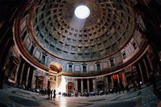 Cupola con volta del Pantheon. Roma
