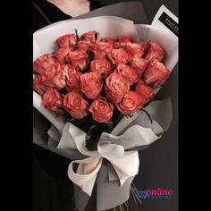 Roses Bouquet – World of Flowers Amazing Flowers, Beautiful Roses, Beautiful Flowers, Flowers Nature, Gift Bouquet, Rose Bouquet, Ranunculus Bouquet, Orchid Bouquet, Candy Bouquet