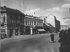 A miskolci Centrum Áruház megépülése előtti utcakép Hungary, Louvre, Street View, Building, Travel, Viajes, Buildings, Trips, Traveling