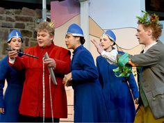 """#KultTrip Nr. 35: """"Silber Glöckchen Zauberflöte"""" via @cgabbart - Mit Mini in die Oper - die Burgfestspiele in Bad Vilbel sind klasse! 3.8.16 Mini, Dresses, Fashion, Opera, Culture, Silver, Vestidos, Moda, Fashion Styles"""