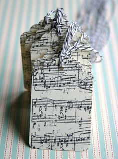 """10 Musical Notes Tags for favors or gifts with black and white baker""""s twine ties $4.95"""