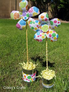 Make cute flowers from recycled water bottles!