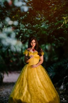 Fantasy Photography, Girl Photography, Fashion Photography, Debut Party, Quinceanera Photography, Prom Poses, Snow Girl, Foto Pose, Quinceanera Dresses