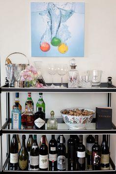 Decoration de mini bar avec des bouteilles
