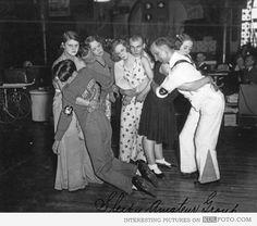 Last 4 couples in dance marathon, Chicago 1930