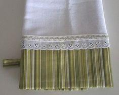 panos-de-prato-pano Roman Shades, Patches, Towel, Curtains, Home Decor, Dish Towels, Kitchen Towels, Crochet Kitchen, Cement Planters