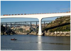 https://flic.kr/p/heJb6X | Ponte de S.João 24-02-13 | Locomotiva Diesel nº1963, com o comboio de mercadorias nº92206, Ramal Lousoareias (Inserção) -> Gaia